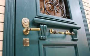 входные двери в частный дом