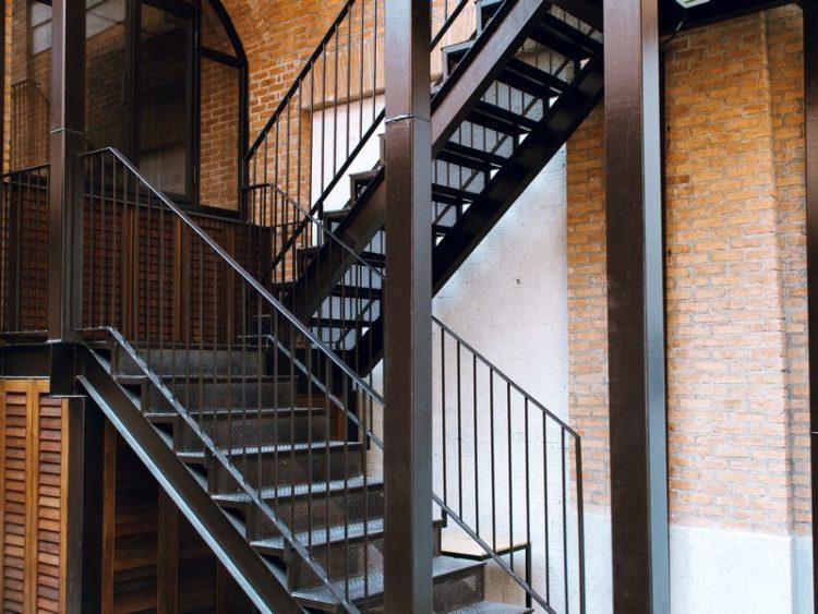 Металлические лестницы на заказ