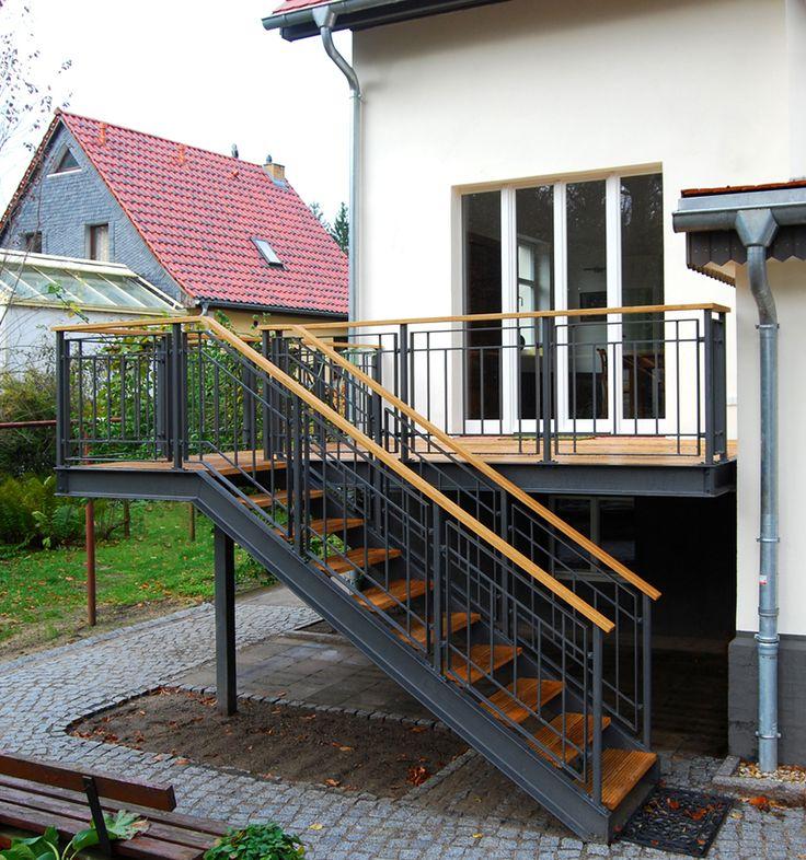 лестницы для крыльца загородного дома