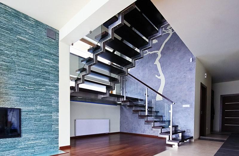 стильная лестница на второй этаж