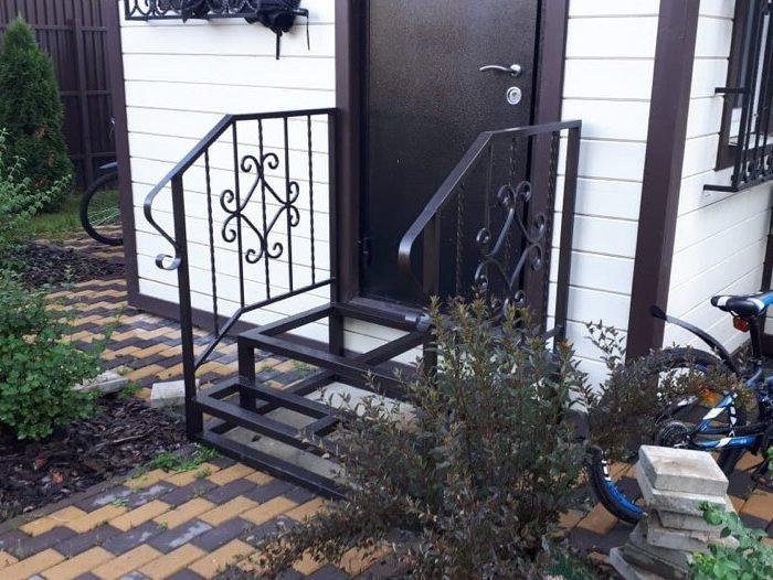 уличная лестница для крыльца