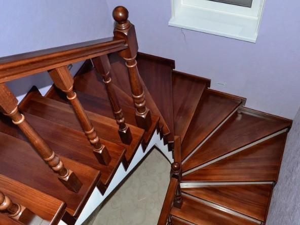 лестницы покрытые лаком