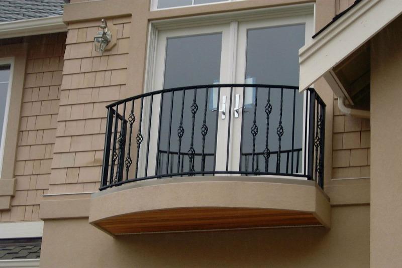 установка ограждения балкона