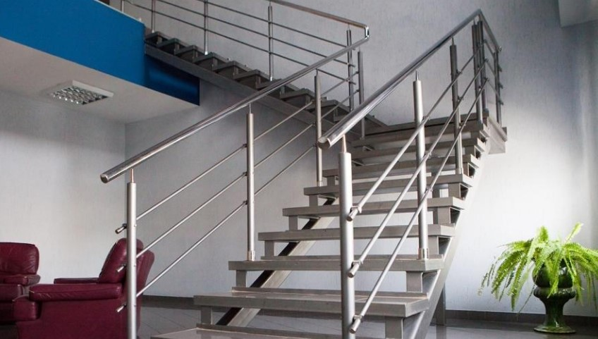 ограждение для лестниц из металла