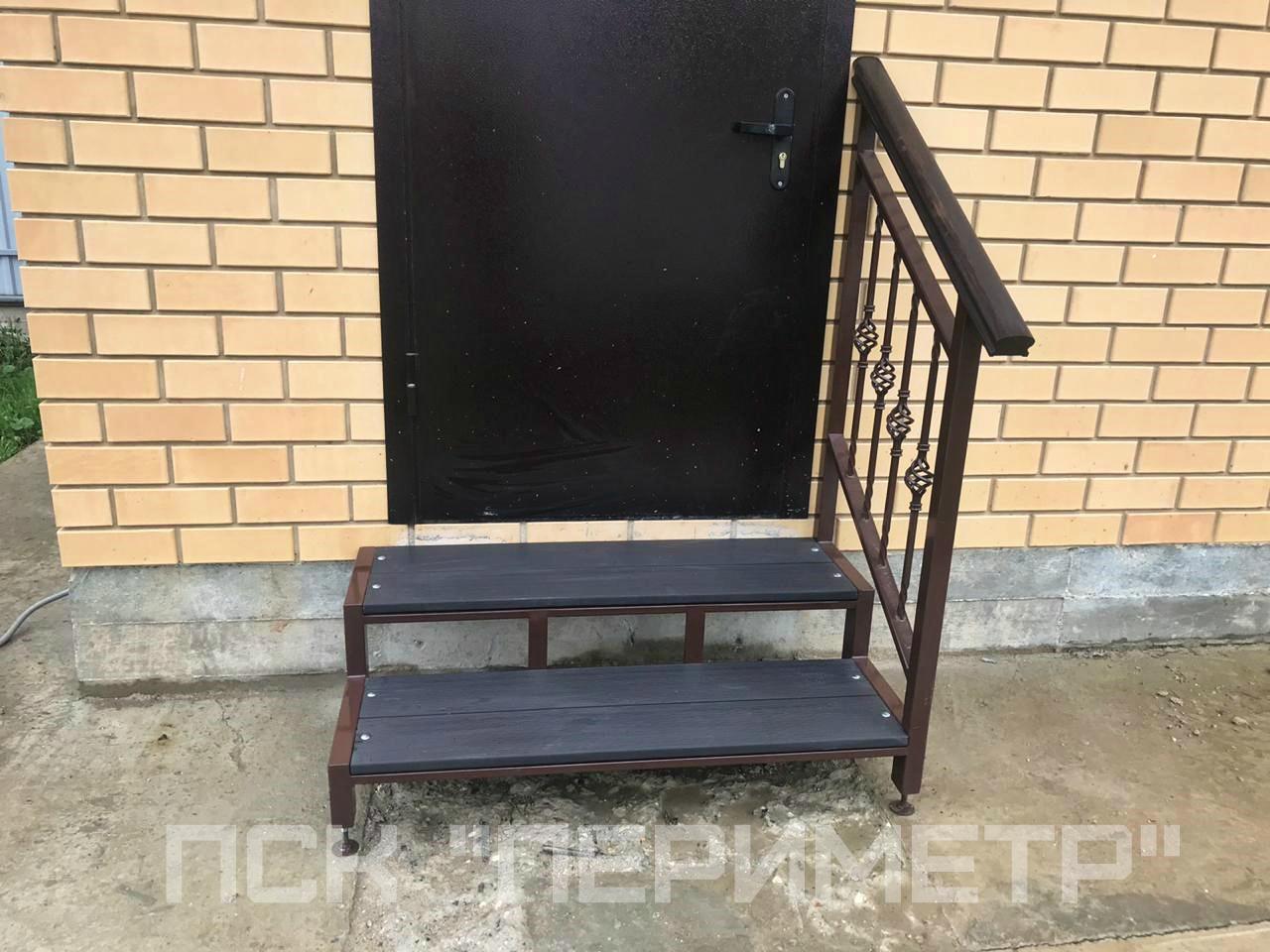 лестница на крыльцо с дпк